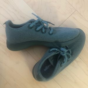 Allbird wool runners in green
